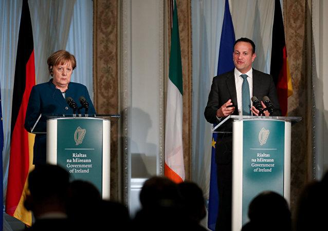 La canciller de Alemania, Angela Merkel, y el jefe de Gobierno de Irlanda, Leo Varadkar