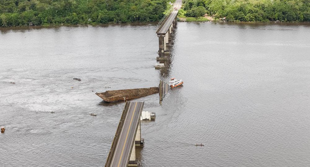 Puente colapsado en Brasil