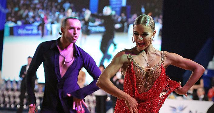 Vladímir Litvinov y Olga Nikoláyeva, bronce en el Campeonato de Baile Deportivo Latino 2018