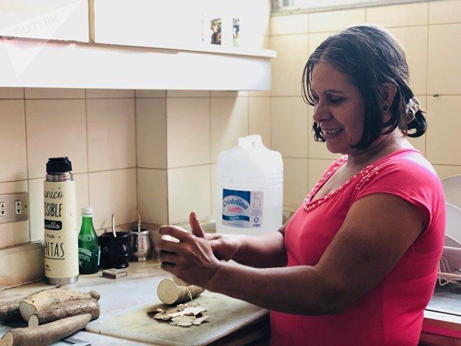 Marisela encontró en la falta de ciertos ingredientes una oportunidad para innovar y hacer sus platos típicos con lo que hay a mano