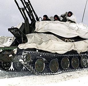 Sistema antiaéreo Shilka en camuflaje invernal (archivo)