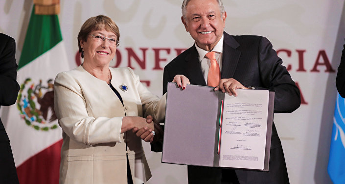 La alta comisionada de las Naciones Unidas para los Derechos Humanos, Michelle Bachelet, y el presidente de México, Andrés Manuel López Obrador