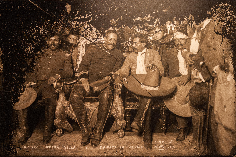El general Tomás Urbina, el jefe militar Pancho Villa y Emiliano Zapata en el Palacio Nacional, Museo de la Ciudad de México, México D.F
