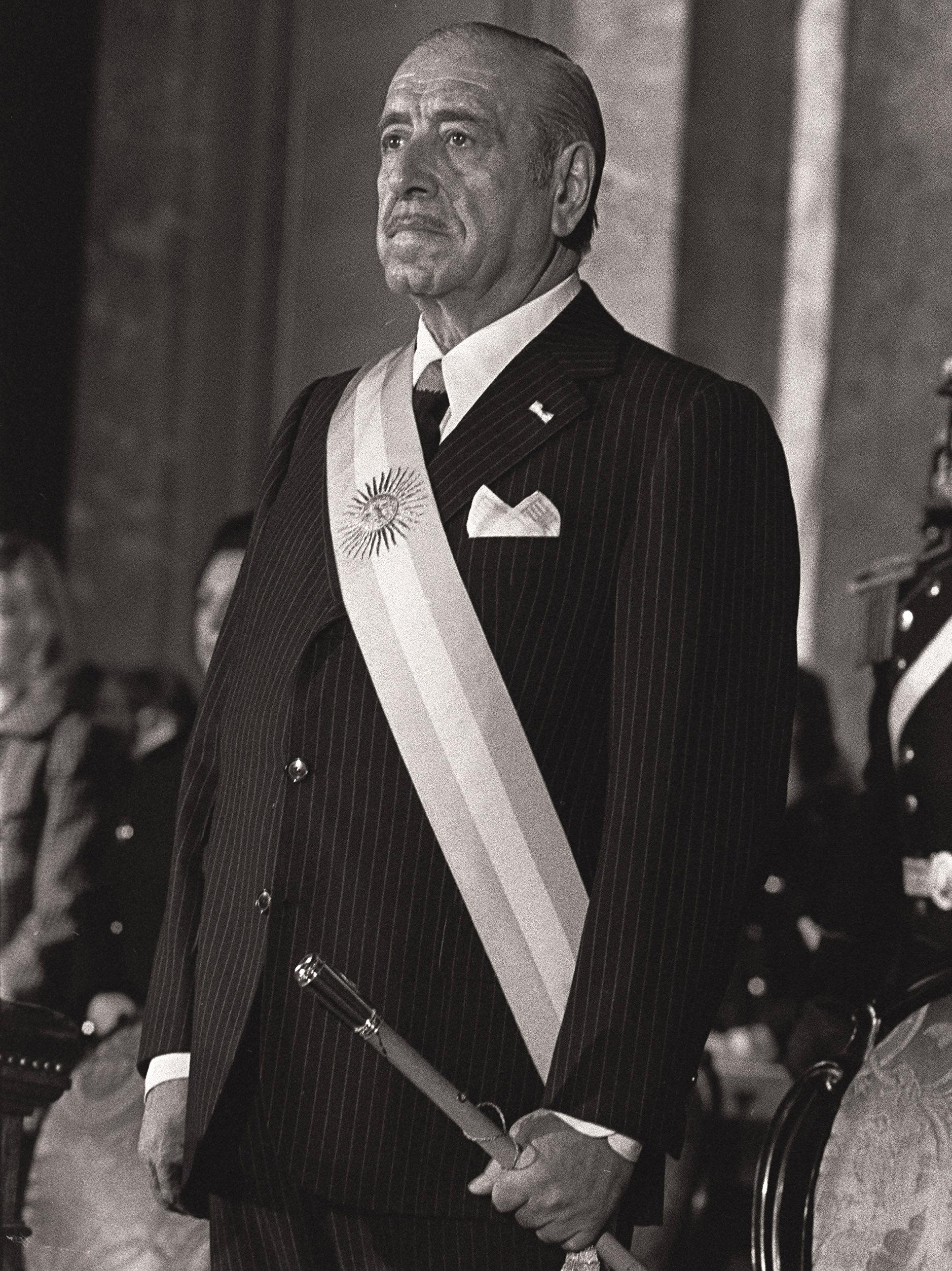 Héctor José Cámpora, expresidente de Argentina (archivo)
