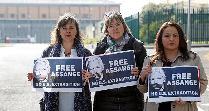 Una protesta contra la extradición de Julian Assange a EEUU