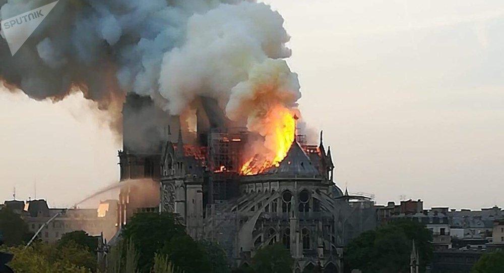 Unesco ofrece apoyo para reconstruir catedral de Notre Dame