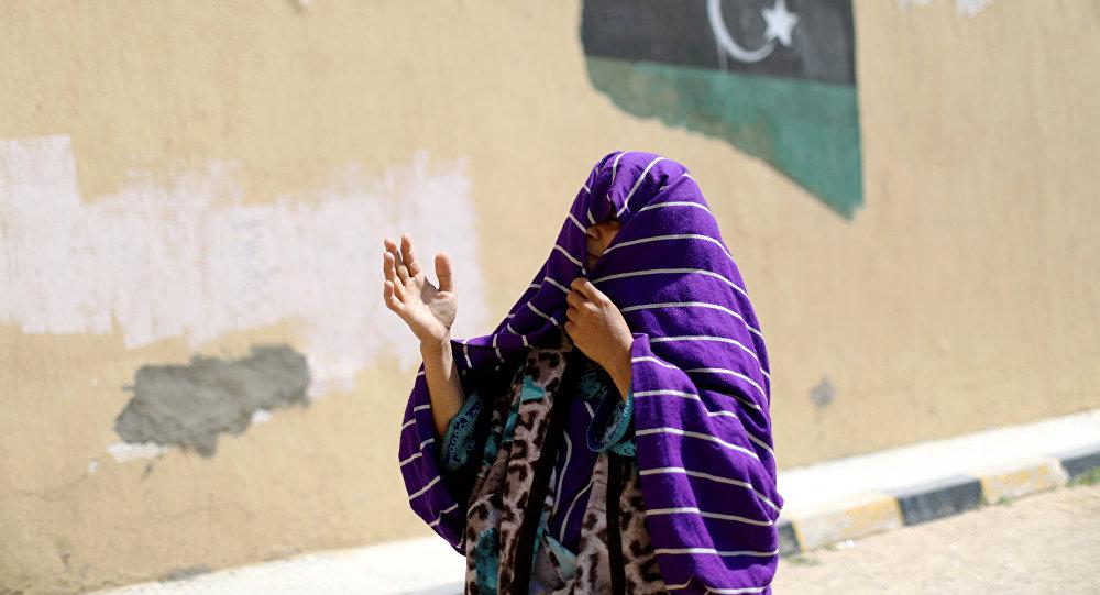 Una mujer desplazada en Trípoli