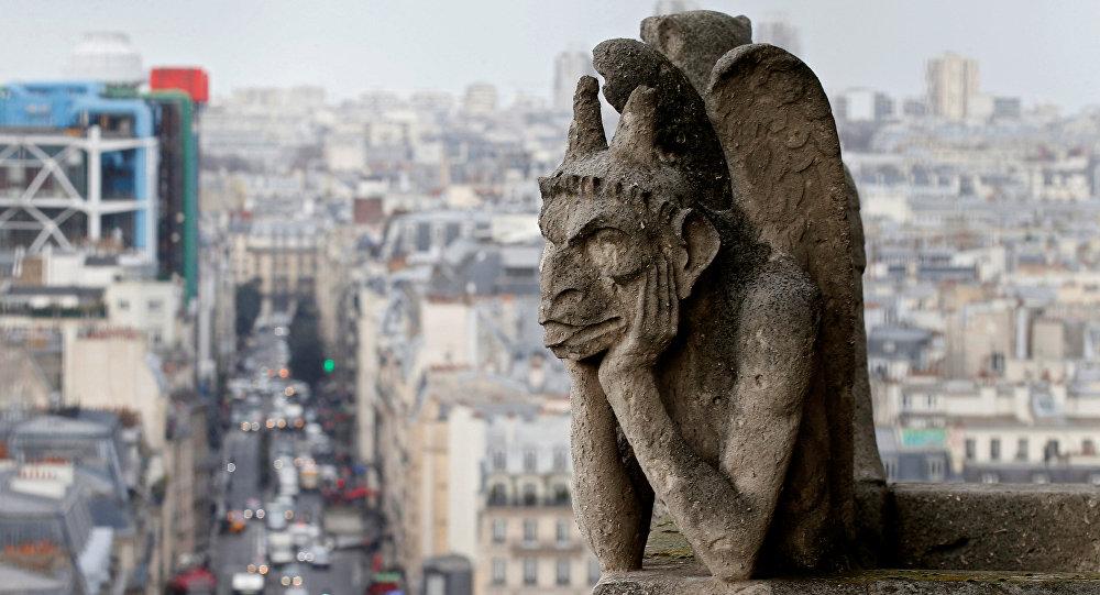 Una gárgola de Notre Dame