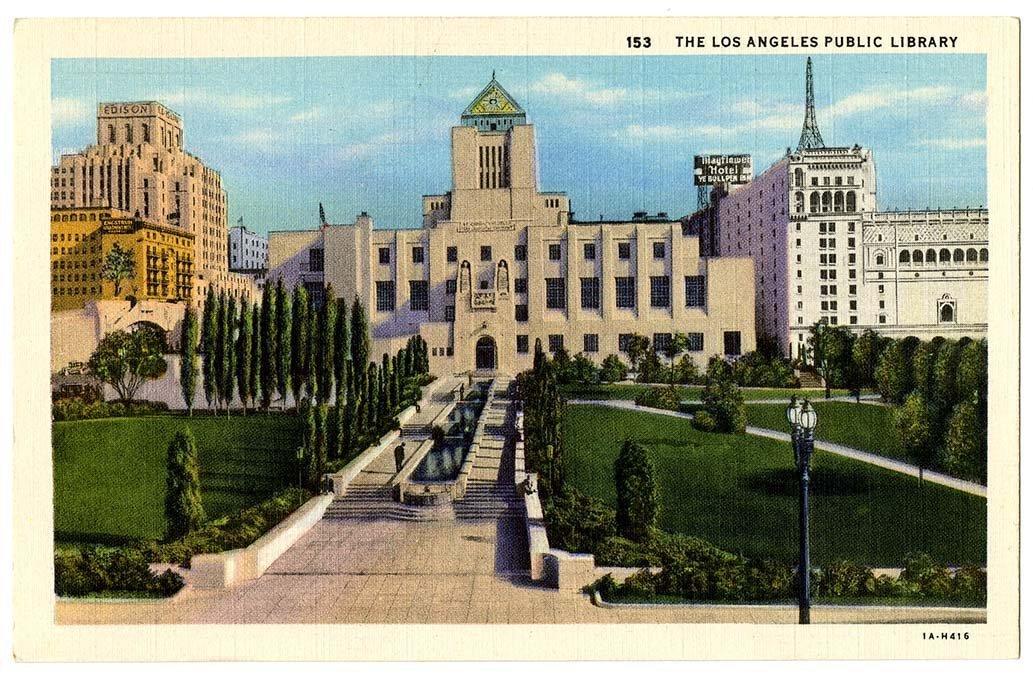 Postal con la imagen de la Biblioteca Pública de Los Ángeles
