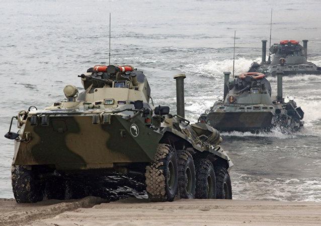 Maniobras de la Flota del Báltico en el polígono militar de Jmelevka, en la costa de la región de Kaliningrado (archivo)