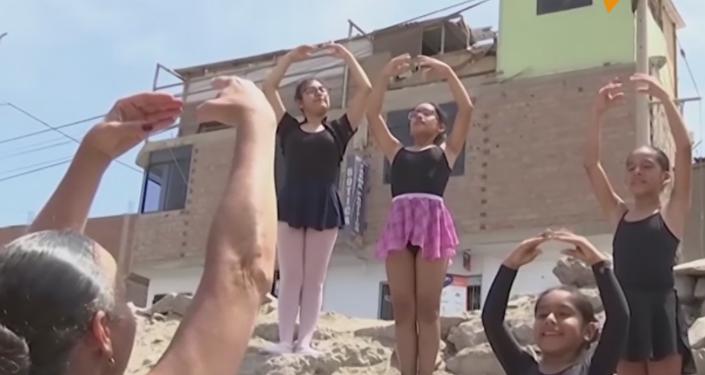 Ballet sin fronteras para niñas pequeñas en Lima
