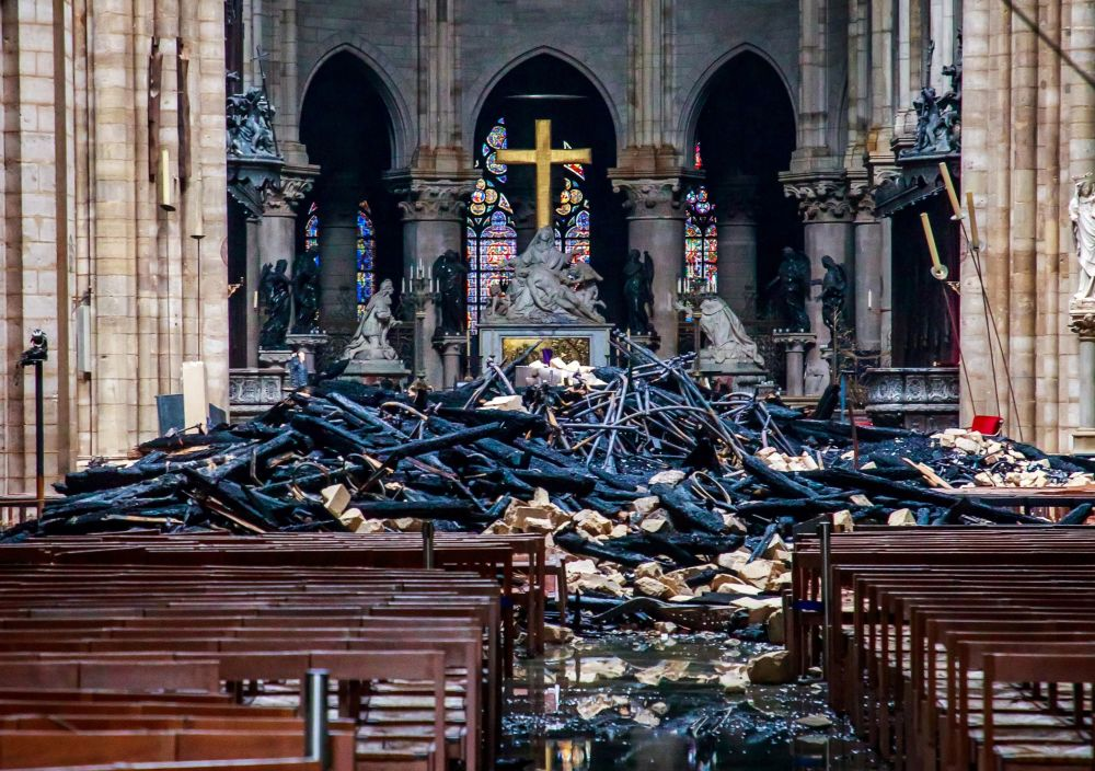 Notre Dame, desfiles y artistas: estas son las imágenes de la semana