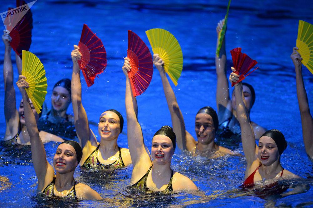 Elegancia y destreza: la gala de la Serie Mundial de Natación, en imágenes