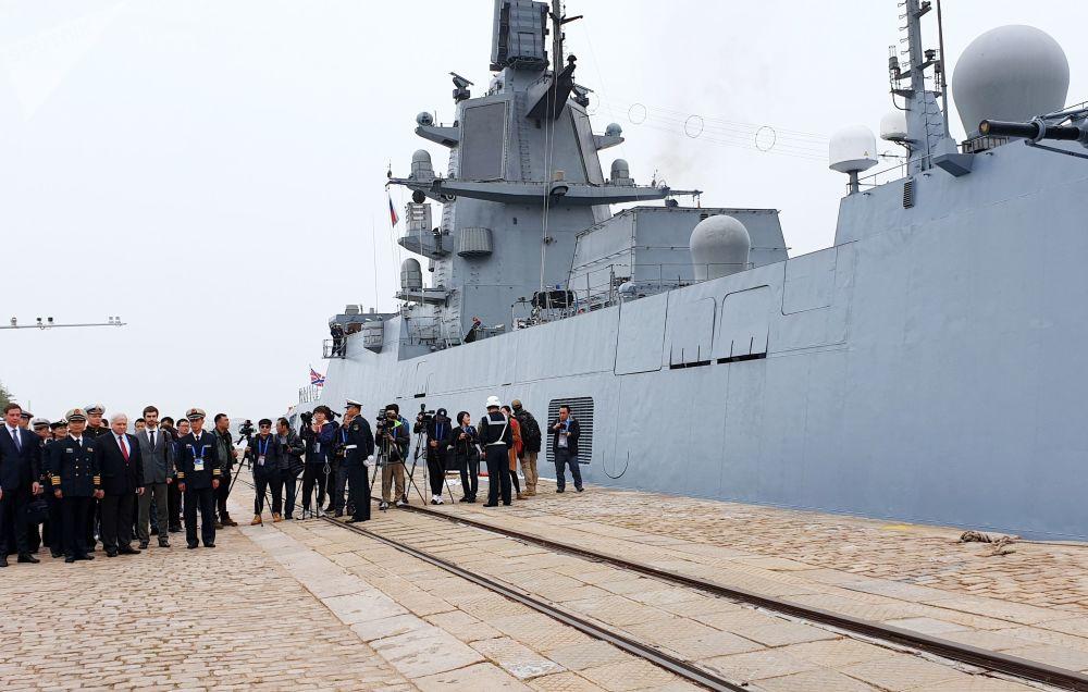 China celebra a lo grande el 70 aniversario de su Armada con muchos invitados extranjeros