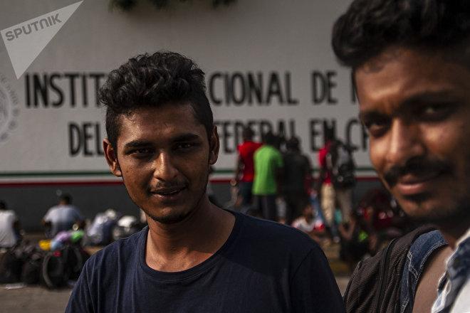 Asiáticos esperan resolución de su estancia legal en México