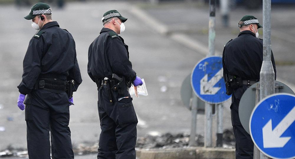 La Policía de Irlanda del Norte en el lugar del asesinato a la periodista Lyra McKee