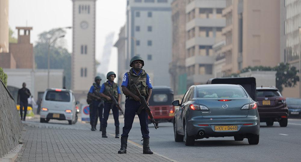 Los militares patrullan las calles en Sri Lanka