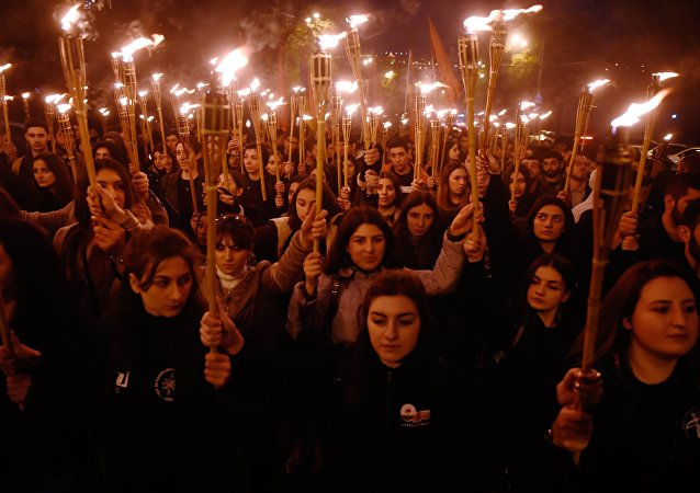 Marcha de antorchas en Ereván