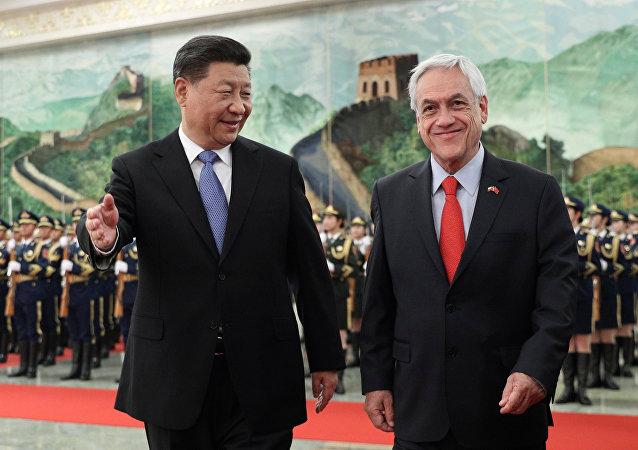 El presidente chino, Xi Jinping, y el presidente de Chile