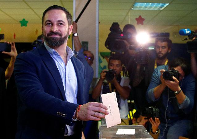 Santiago Abascal, líder de Vox, ejerce su derecho al voto