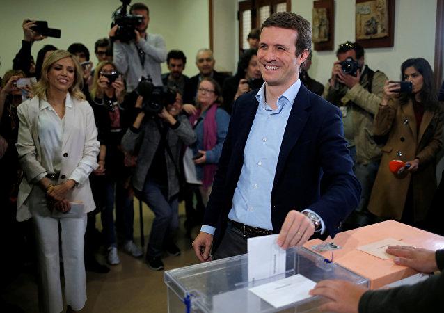 Pablo Casado, presidente del PP, vota en Madrid