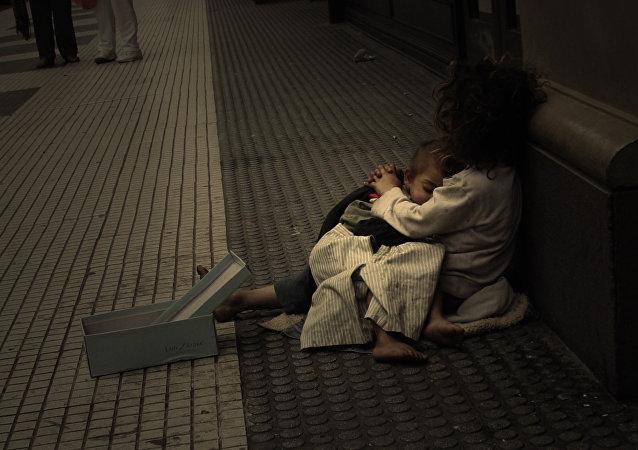 Una familia pobre en  Argentina