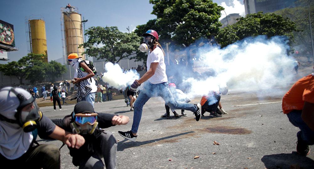 Rusia acusa a Guaidó de promover la violencia en Venezuela