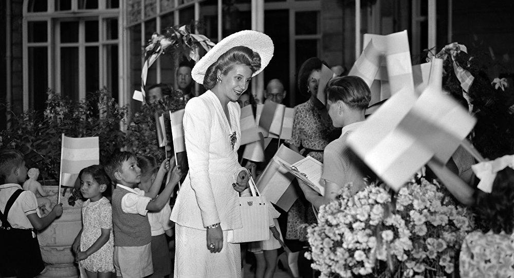 Eva Perón durante una visita a París en 1947
