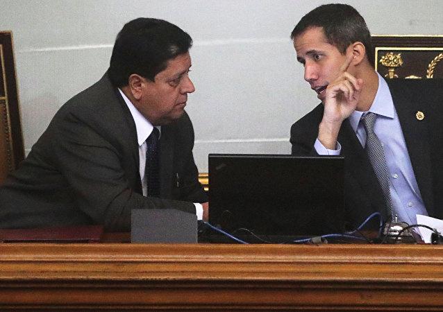 Edgar Zambrano, vicepresidente de la Asamblea Nacional de Venezuela, y Juan Guaidó, líder opositor venezolano
