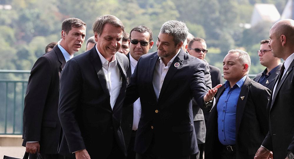 El presidente de Brasil, Jair Bolsonaro y el presidente de Paraguay, Mario Abdo Benítez
