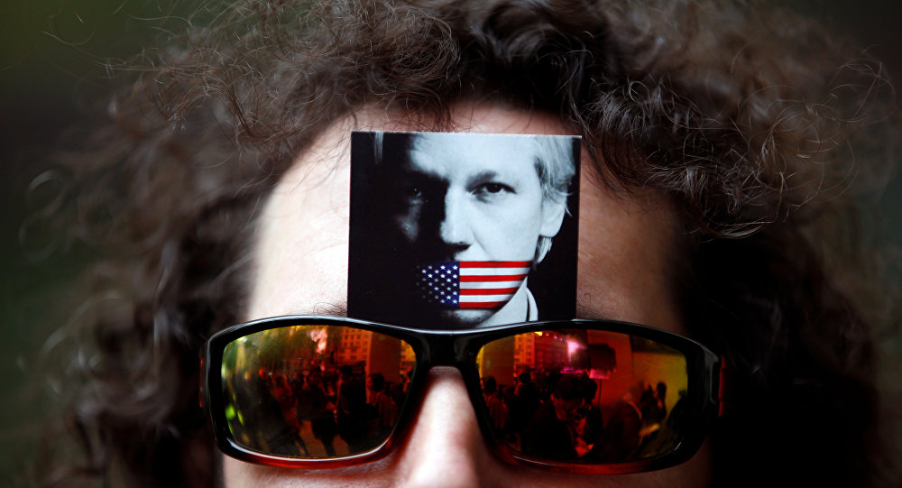 Reabre Suecia caso de violación contra Julian Assange