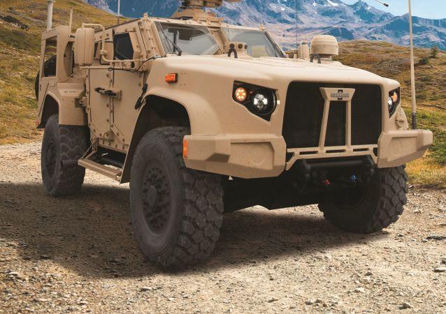Un vehículo Oshkosh