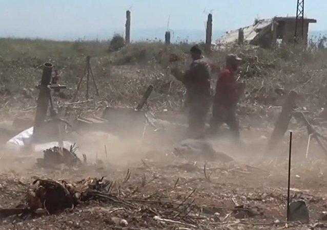 Intensos combates se desarrollan en la provincia siria de Hama