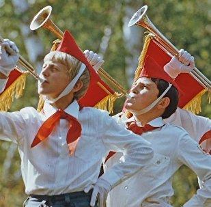 Los pioneros, la organización juvenil soviética, cumple 97 años