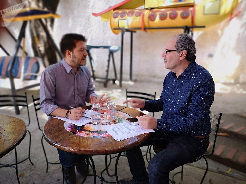 José Negrón Valera entrevista a Enrique Ochoa Antich, escritor y político venezolano