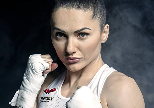 La boxeadora polaca Ewa Brodnicka