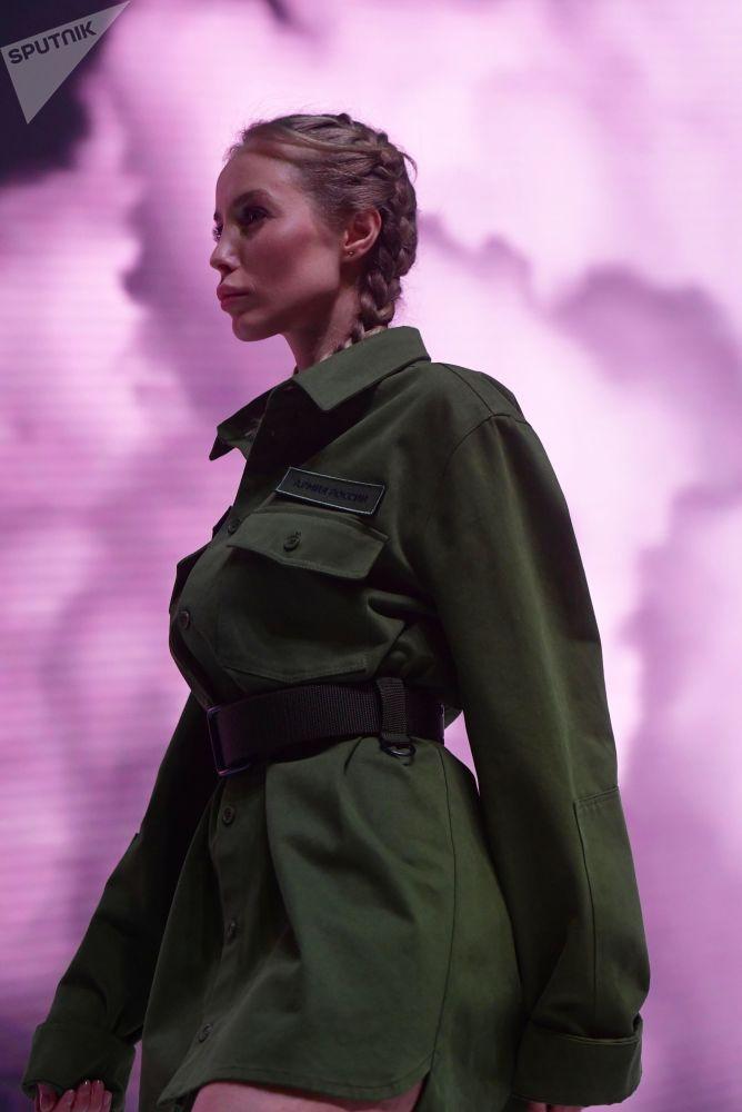 El Ministerio de Defensa ruso alberga un desfile de moda