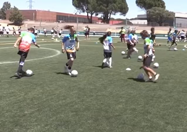Madrid acoge el entrenamiento de fútbol más multinacional de la historia
