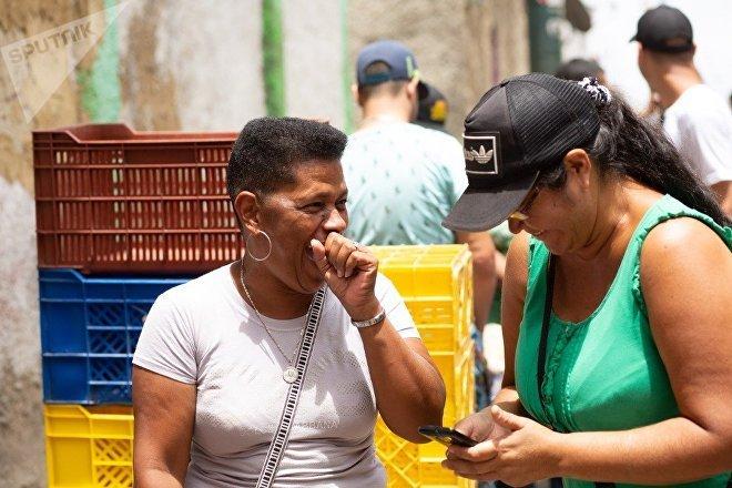 Las clases populares y medias sin acceso a dólares encuentran en las comunas una manera de satisfacer sus necesidades alimentarias