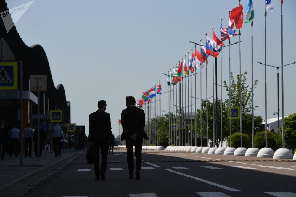 Venezuela crea un mecanismo de comercio en rublos con Rusia