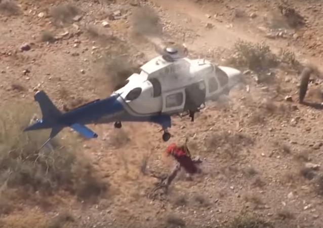 El rescate aéreo de una anciana en EEUU se sale de control