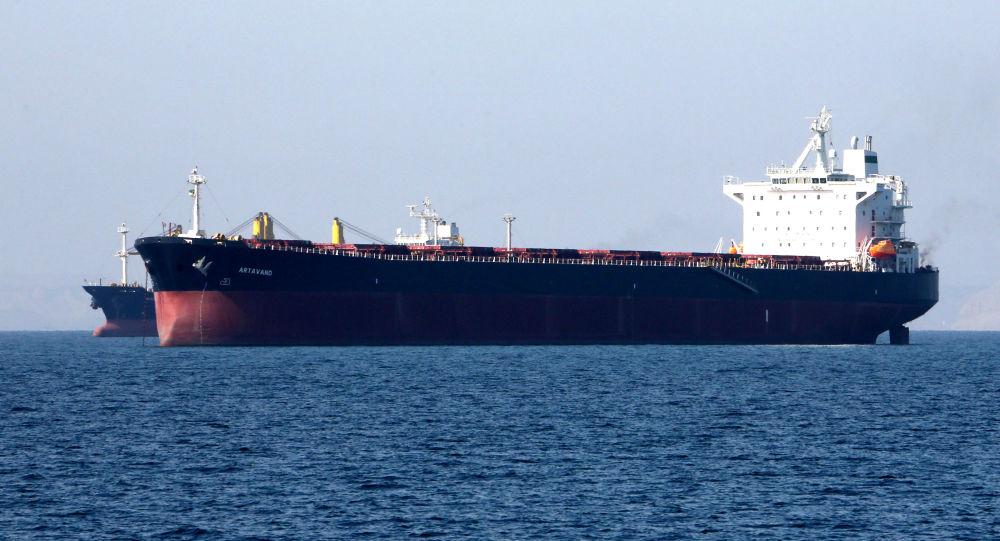 Un tanque petrolero en el puerto iraní Bandar Abbas (archivo)