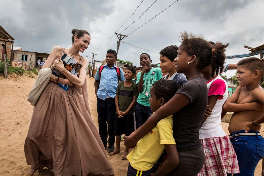 Chernóbil, plástico y Angelina Jolie: estas son las imágenes de la semana
