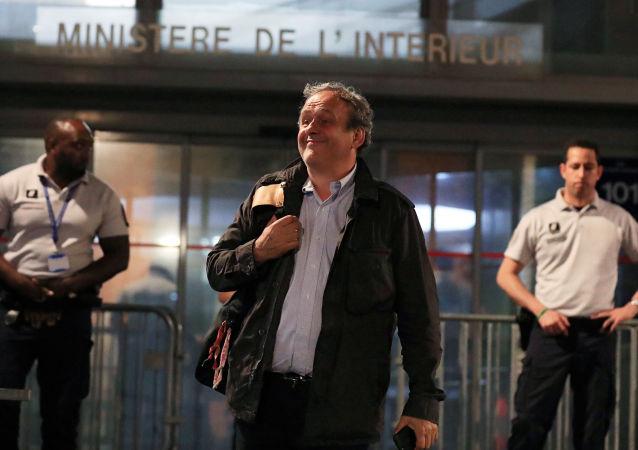 Liberan de custodia a exjefe de la UEFA, Michel Platini, en Francia el 19 de junio de 2019