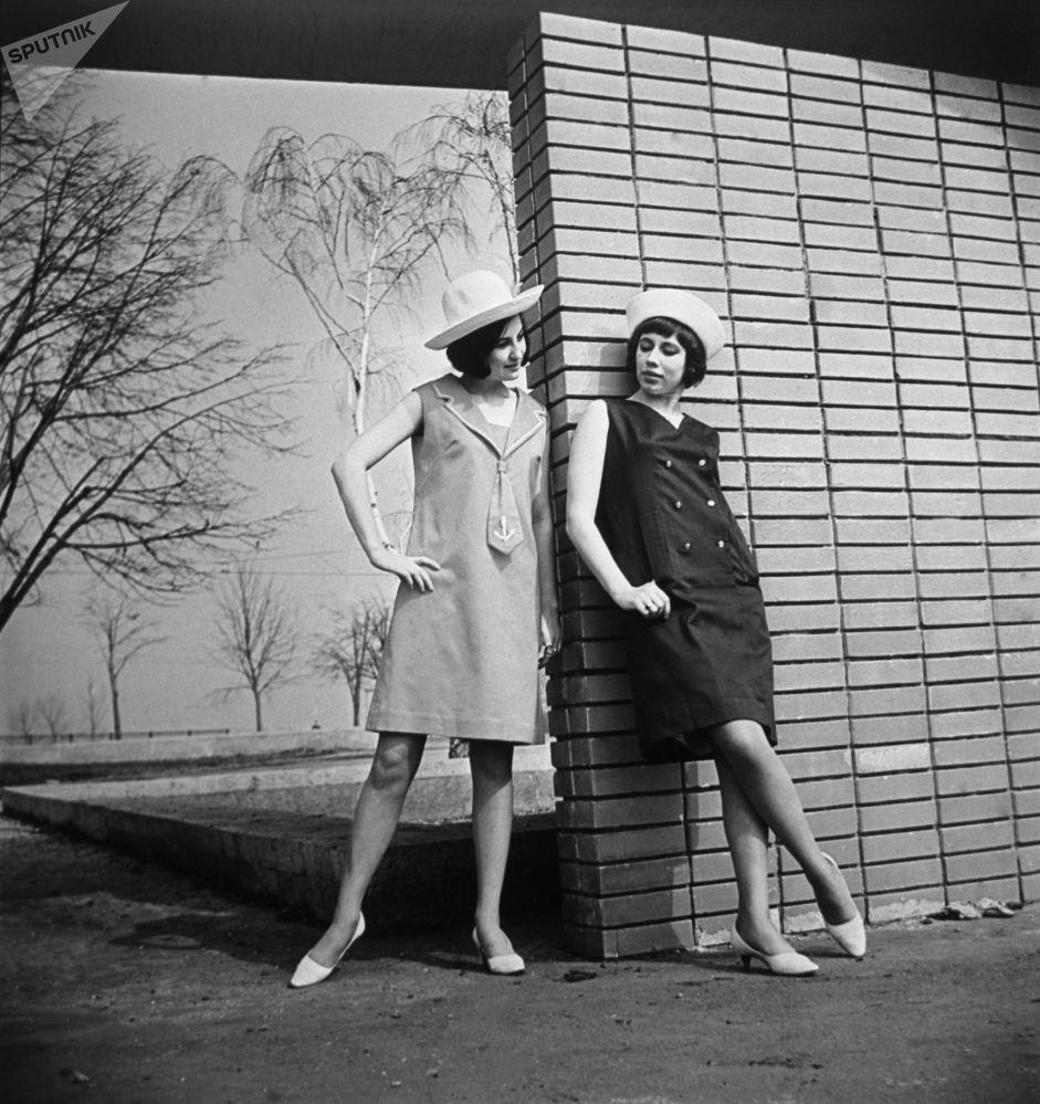 Nostalgia por los 60: así lucían las 'fashionistas' en la época del 'deshielo' en la URSS