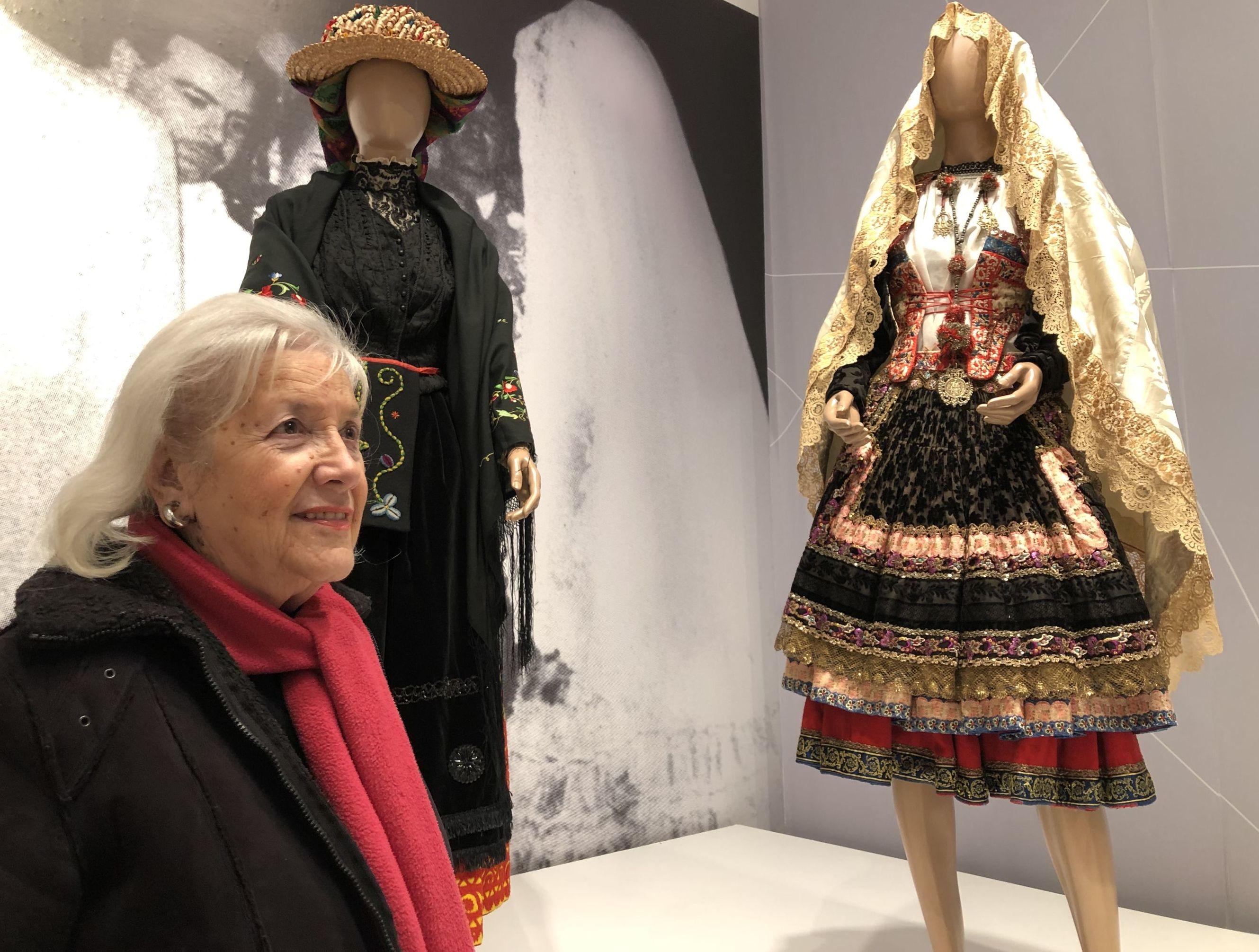 Beatriz Abad en la exhibición Un regalo para Evita: trajes, cultura y política