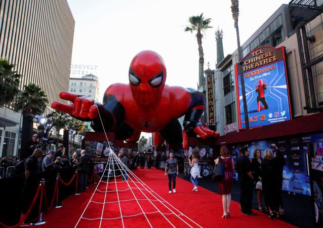 Globo con la forma de 'Spider-Man'