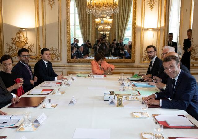 El presidente ecuatoriano, Lenín Moreno, y su par galo, Emmanuel Macron, en París