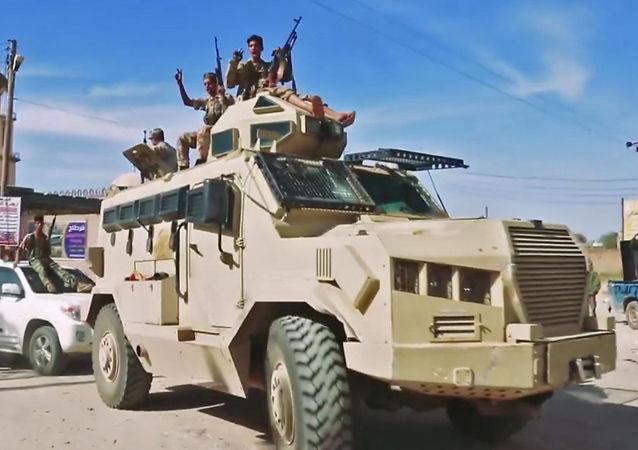 Los militares en Trípoli, Líbia