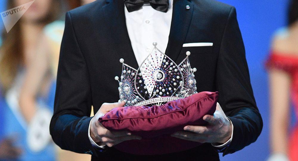 La corona de un certamen de belleza (archivo)